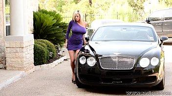 xoGisele - A Hot Bentley Babe 4 min
