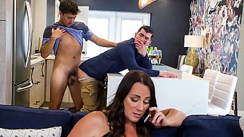Horny boy fucking his step father real hard - gay porn 5分钟