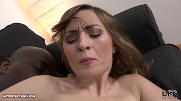 With pleasure - Milf anal sex with black guy screaming in pleasure bbc