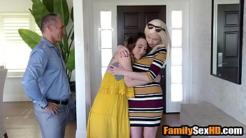 Hot daughter seduces step-dad - Taboo family porn