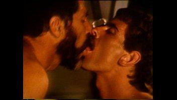 หนังโป๊เกย์สุดโรแมนติกเงี่ยนจัดเย็ดกัน ในรถตู้ล่อตูดกันสุดเสียวหนังเกย์