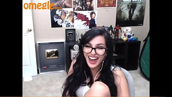 Sssniperwolf farting for strangers on omegle