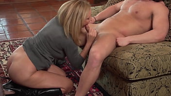 Cougar in boots fucked - 69VClub.Com