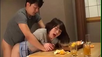 Drunk Man press Friend's Wife to Make Love [www.tuoilon.tv]