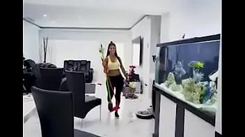 https://cdnegc.trafficfactory.biz/banners/f2/60/3c/0d2218c4e6814ab2948153e3c7dd59a8.mp4 Who's know the full link of this video link? 8 sec