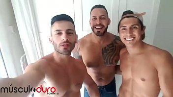Viktor rolf gay - Andy star, viktor rom e ken summers md