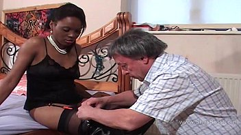 Black femdom fetish - Faceful of black pussy for older white gent
