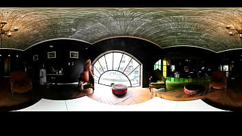 Claudia Ciardone ratting naked in the living room 360 ° - Nenas TV