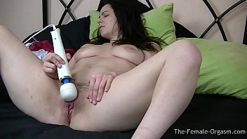 Sultry Femorg Babe with Fleshy Pussy and Big Tits Hitachi Orgasms Vorschaubild