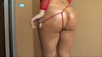 Sara Jay Takes Off Her Tiny Gstring And Slides A BBC Inside 24 min