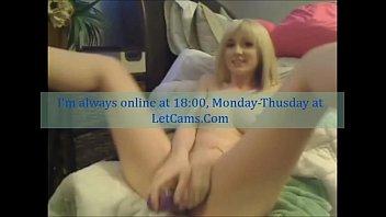 Blonde teen camgirl sextoys mastubates private show Vorschaubild