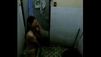 Ngintip cewek mandi thumbnail