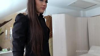Humiliation Lady Zee 4on1 Piss, 0%pussy DAP, deepthroat, anal, cum swallow NF063