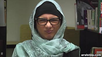 Mia Khalifa Takes Off Hijab and Clothes in Library (mk13825) thumbnail