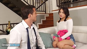 Robby Echo Had A Babysitter With Benefits Cute Babe (Liv Wild) - RealityJunkies 10 min