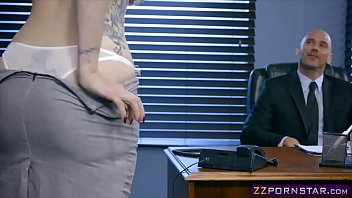New girl in the office named Lauren Phillips satisfies boss 6分钟