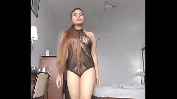 Shweta Malhotra big boobs  Indian model sexy dance