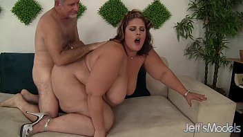 Huge fat ass gets herself fucked
