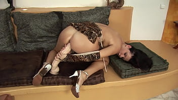 hornyBeautiful and sexy alone at home she plays with toys to please the eager cunt