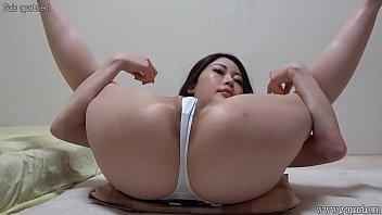Glamorous Japanese Girl Cameltoe