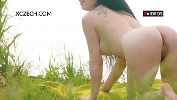 Czech girl outdoor masturbation Vorschaubild