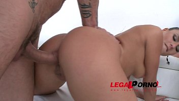 Mea Melone & Lena Nitro anal & DP 4some for Legal Porn SZ859 Vorschaubild