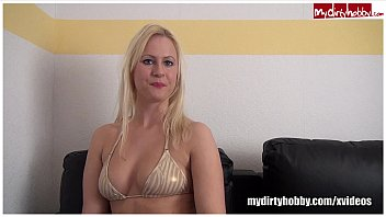 German Amateur Mary Jane loves to suck cocks 6分钟