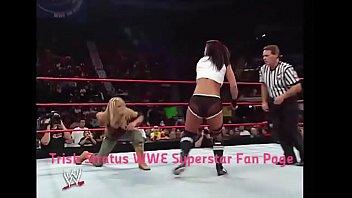 Trish Stratus vs Victoria. Women's Championship match.