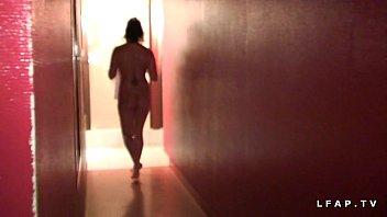 Libertine francaise sodomisee au sauna dans un plan a 3 avec Papy voyeur thumbnail