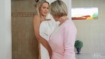 (Dee Williams, Kayleigh Coxx) - Meet My Folks Part 2 - Transangels