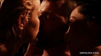 AMAZING threesome close up sex Vorschaubild