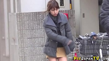 Asian pissing toilet porn - Japanese hos public pee