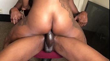 MILF MADE BIG DICK NEIGHBOR FUCK HER HARD & DEEP! - 69VClub.Com