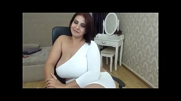 Large tits mom with white dress chatting on cam