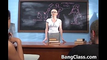 Teacher in a threesome with 2 hot studs
