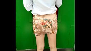 แอบถ่ายสาวไทย สาวอบจ.นุ่งสั้นขาขาวๆมากดเงินที่หน้าตู้ ATM