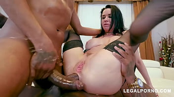 Interracial fuck slut Veronica Avluv squirts nonstop while DP'd with BBC porno izle