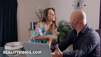 Petite (Kimmy Granger) Gets Drilled By The Lawyer - Realitykings