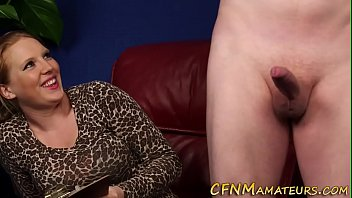 Amateur cfnm slut blows