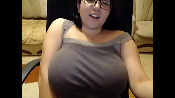 Huge tits bbw toying herself so tease on cam