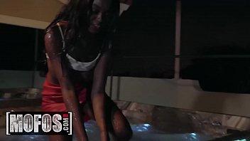 I Know That Girl - (Charles Dera, Kandie Monae) - Club To Tub - Mofos