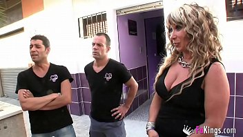 We get into a swinger club in Sevilla and film what happens there. SIMPLY IMPRESSIVE 57 min