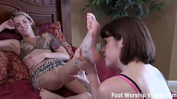 She gets so horny when I flaunt my sexy little feet