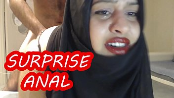 PAINFUL SURPRISE ANAL WITH MARRIED HIJAB WOMAN !