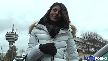 French Indian teen wants her holes to be filled [Full Video] 23分钟