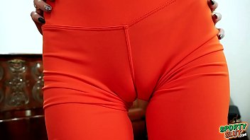 Most Amazing Cameltoe Thigh-Gap Big Ass Skinny Blonde Babe In Tight Leggings