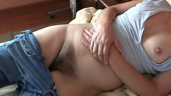 HAIRY PUSSY, MATURE MOTHER IS ON DISPLAY IN FRONT OF HER SON'S FRIENDS AND THEY JERK OFF LOOKING AT HER - ARDIENTES69