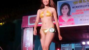 Bikini photoshoot in thai girls in gold bikini