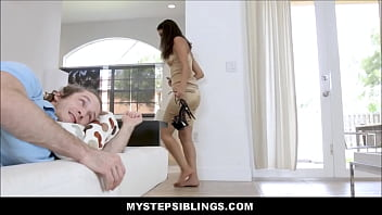 Big Ass Stripper Stepsister Sophia Leone Caught Sneaking In Fucked By Stepbrother - 69VClub.Com