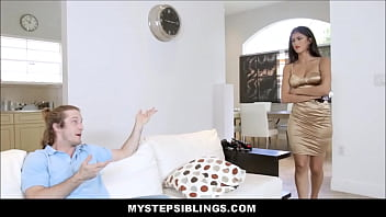 Big Ass Stripper Stepsister Sophia Leone Caught Sneaking In Fucked By Stepbrother thumbnail
